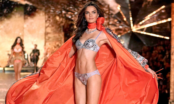 Barbara Fialho, para el Victoria's Secret Fashion Show 2018.